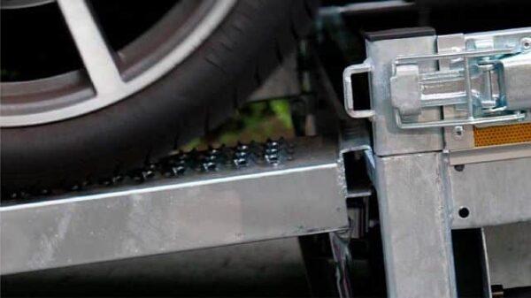 Autotransporter mit Kippsystem 1