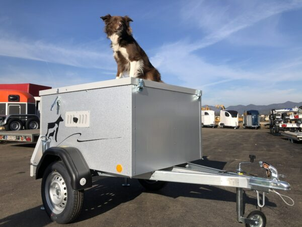 TPV Hundeanhänger, geschlossener Kastenanhänger, Einachser, leichter Anhänger, Anhänger für Hundetransport, für 2 oder 3 Hunde, Check Trailers 8