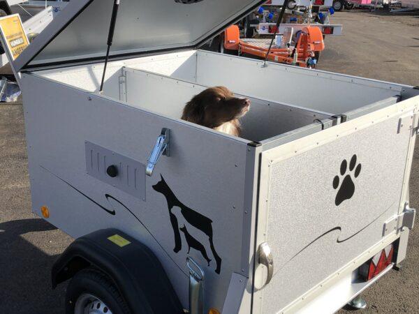 TPV Hundeanhänger, geschlossener Kastenanhänger, Einachser, leichter Anhänger, Anhänger für Hundetransport, für 2 oder 3 Hunde, Check Trailers 13