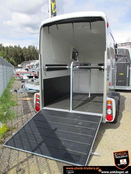 Check Humbaur Maximus Deluxe, Pferdeanhänger, Viehtransporter 2700, 3,56 x 1,80 x 2,35 m, 2700 kg 3