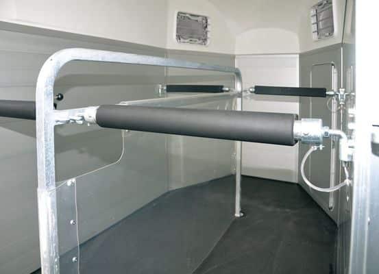 Pferdeanhänger Humbaur Xanthos 2000 kg mit Aluminium Seitenwänden 9