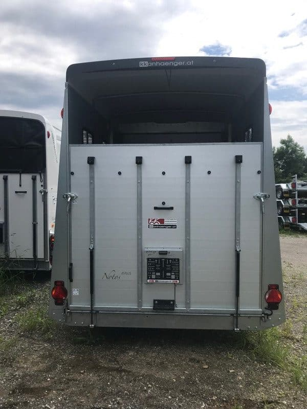 Humbaur Notos Plus 3000 kg oder 3500 kg Pferdeanhänger mit Sattelkammer, Pferdetransporter 9