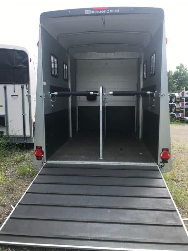 Humbaur Notos Plus 3000 kg oder 3500 kg Pferdeanhänger mit Sattelkammer, Pferdetransporter 10